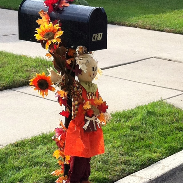 Fall Decor! Mailbox girl.:)