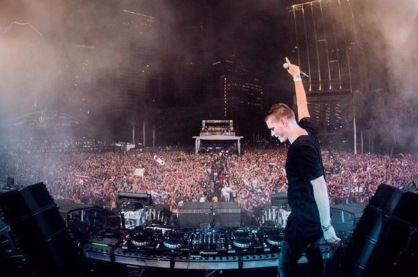 "Martin Garrix and Third Party release new song ""Lions In The Wild"" and special…"