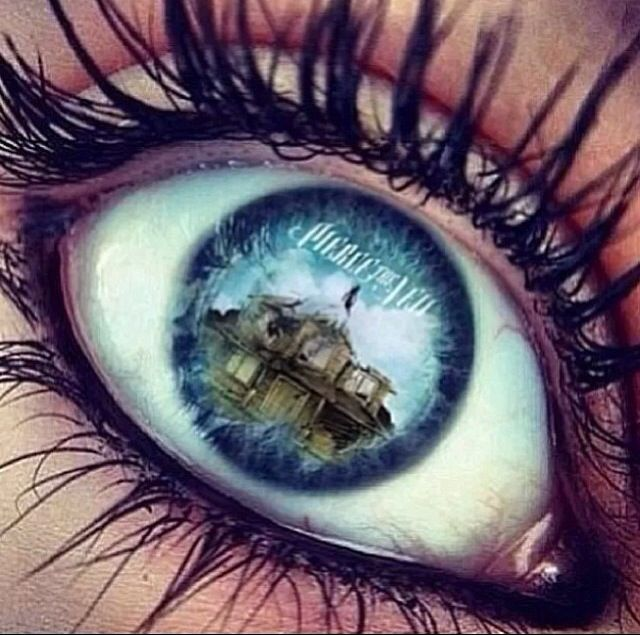 Awesooome Edit! ~Pierce The Veil  If they made contacts with their logo i would get them. Just Saying