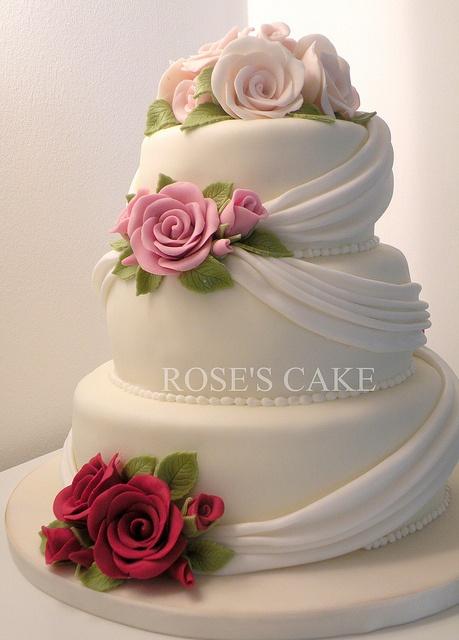 Prettiest wedding cake I've seen. Just beautiful.