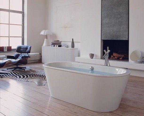 Luxus pur – die Wanne mitten im Raum 💎  …
