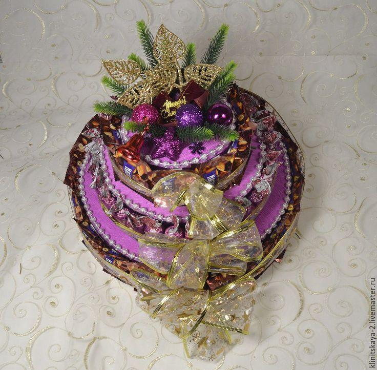Купить Трёхярусный новогодний торт из конфет сиреневый. Работа на заказ. - сиреневый, торт из конфет