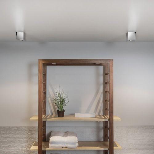Brillant et subtile, ce spot encastrable de la marque Astro Lighting constitue un réel élément de décoration. Il est possible de le placer à l'extérieur ou dans une salle de bain.