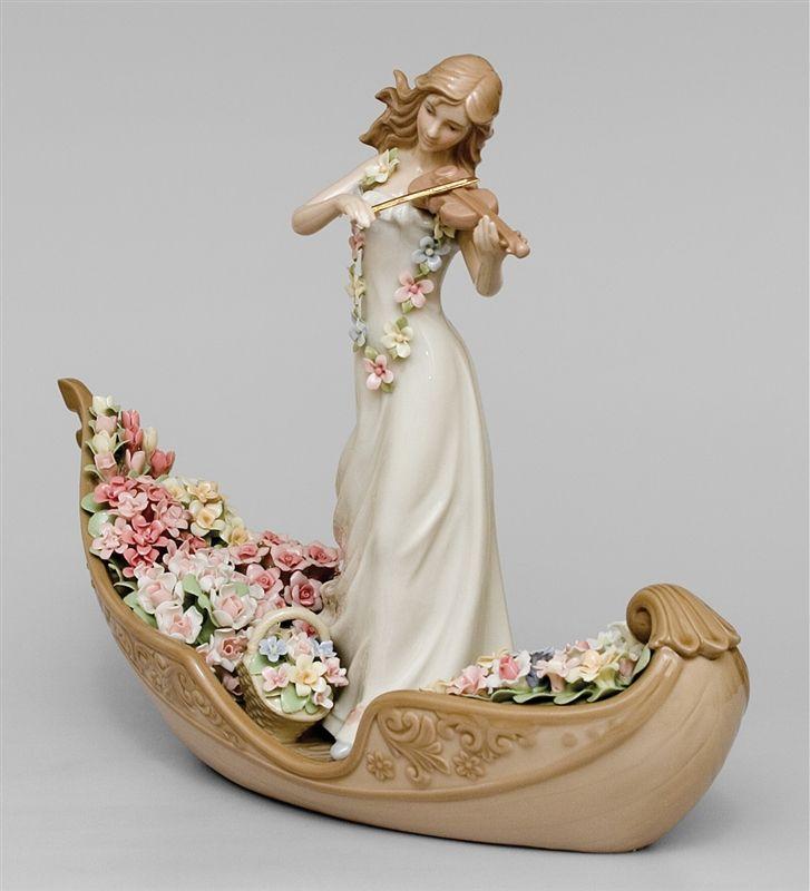 """Статуэтка """"Девушка со скрипкой в гондоле"""" CMS-15/51 (Pavone)   Бренд: Pavone (Италия);      Страна производства: Китай;   Материал: фарфор;   Длина: 33,5 см;   Ширина: 12 см;   Высота: 25 см;   Вес: 1,3 кг;      #фарфор #девушка"""