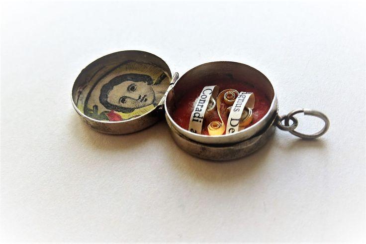 Antique Anhänger Silber Silver Agnus Dei Conradi Charm Glücksbringer  | eBay