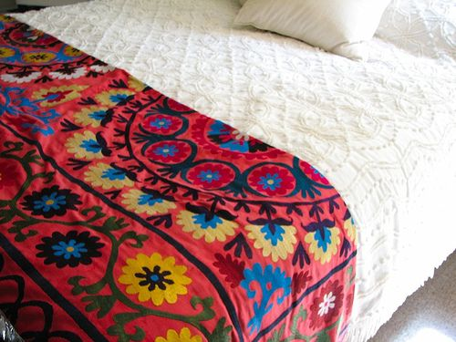 1000 images about suzani and other mexican bedding on Mexican embroidered bedding
