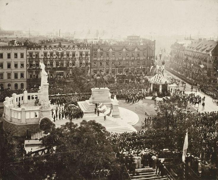 1896-Pomnik cesarza Wilhelma I (dziś stoi w tym miejscu Bolesław Chrobry)  http://wroclaw.wyborcza.pl/wroclaw/5,35762,16955292.html?i=11#ixzz4jcOPV500
