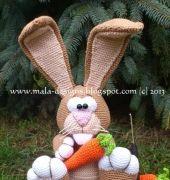 Coniglietto di Pasqua Coniglio con carota da Mala Designs - Tedesco