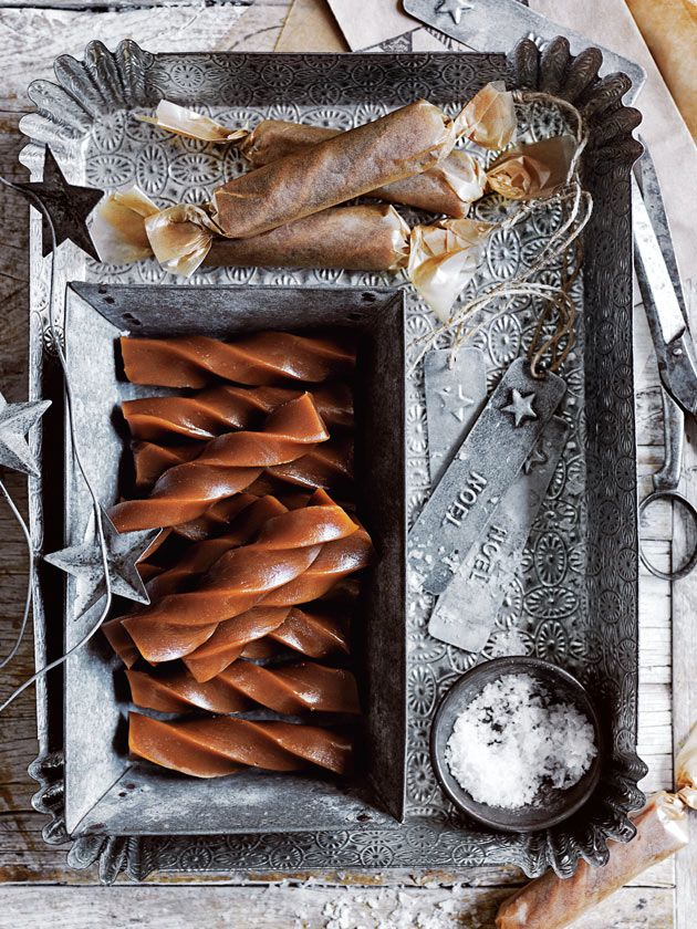 These adorable twisted honey caramels will make the sweetest stocking stuffers for Christmas.