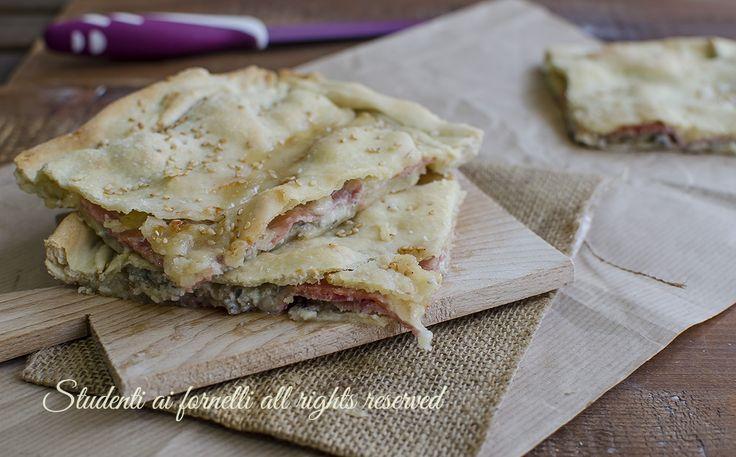 ricetta schiacciata 5 minuti prosciutto gorgonzola e mozzarella ricetta focaccia senza lievito lievitazione facile veloce