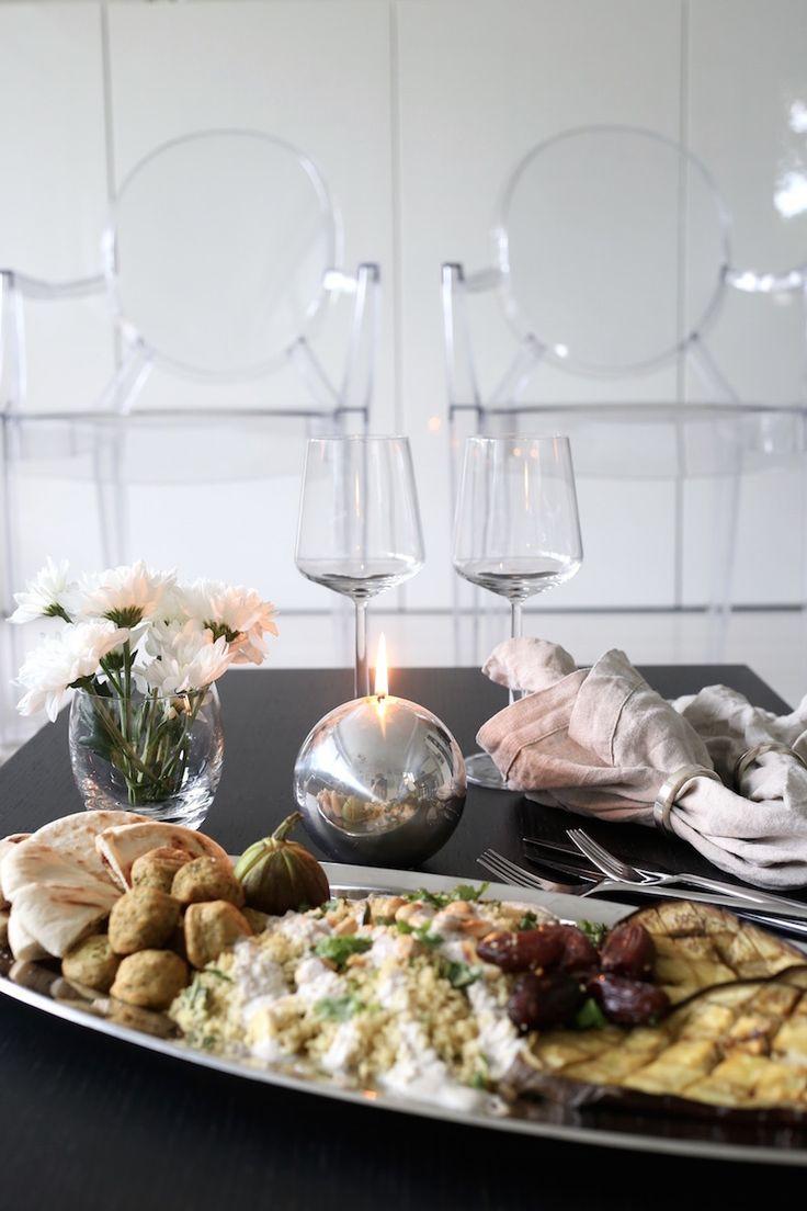 Homevialaura | Meze plate in autumn colours | Alessi | Iittala Essence | Balmuir | Kartell Louis Ghost