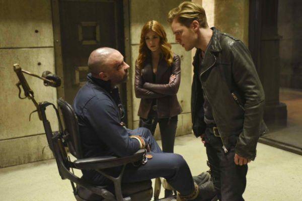 Veja cenas inéditas do retorno de Shadowhunters - http://popseries.com.br/2017/05/31/shadowhunters-2-temporada-mea-maxima-culpa/