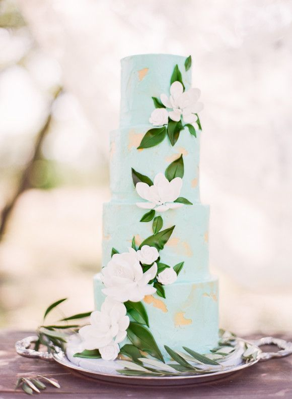 20 Fancy Floral Wedding Cakes | SouthBound Bride | Credit: Michelle Boyd/Sweet Sunday Events/Michelle's Patisserie via Wedding Sparrow