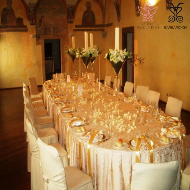 Battesimo, Comunione e Cresima @CastleOfAngels banchetto by Barbariccia Restaurant #Ceremony #Baptism #Communion #Confirmation #Lunch #Family #Friends #Chandelier #White #Silver #Gold