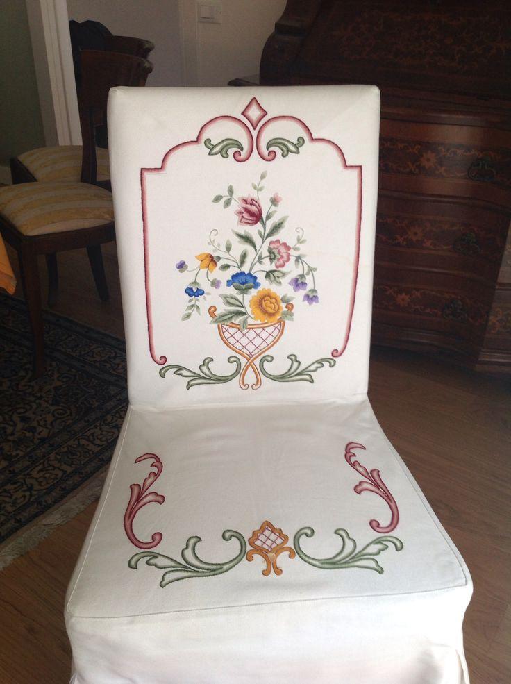 Sedia realizzata a punto Bandera Slipcover in Bandera embroidery