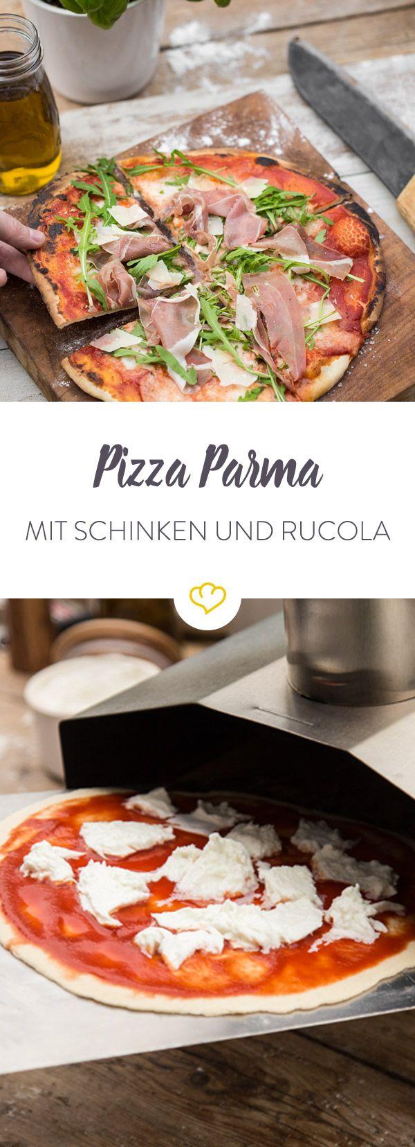 Du möchtest einen absoluten italienischen Pizza Klassiker bei dir zu Hause backen? Wie wäre es mit Pizza Parma? Parmaschinken, Rucola und Parmesan.
