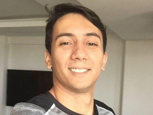 Matheus Coelho foi morto em chácara para ter carro roubado, diz polícia. Caseiro do local e dois sobrinhos foram detidos suspeitos de cometer crime. Um homem de 32 anos foi encontrado morto no sábado (4) em uma chácara às margens da BR-070, em Aragarças, na região noroeste de Goiás.   #Irmão de ex-prefeito de Goiatuba é encontrado morto em Aragarças