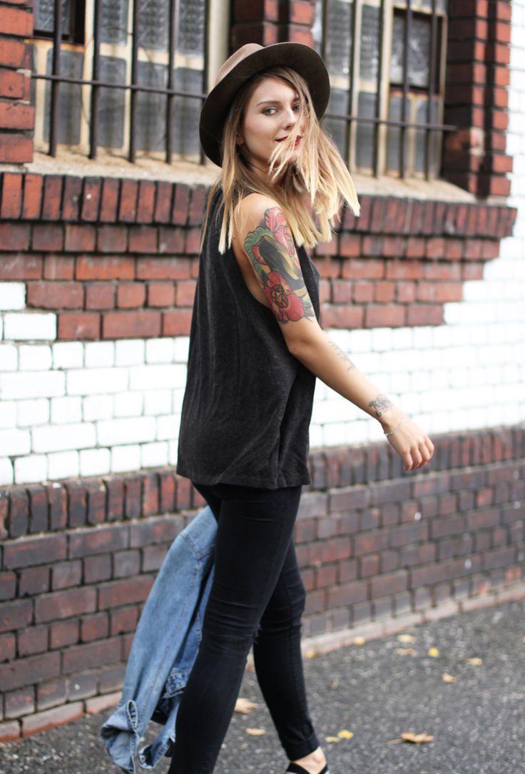 Women fashion men tumblr Style streetstyle tatted tattoo hat blond denim jeans