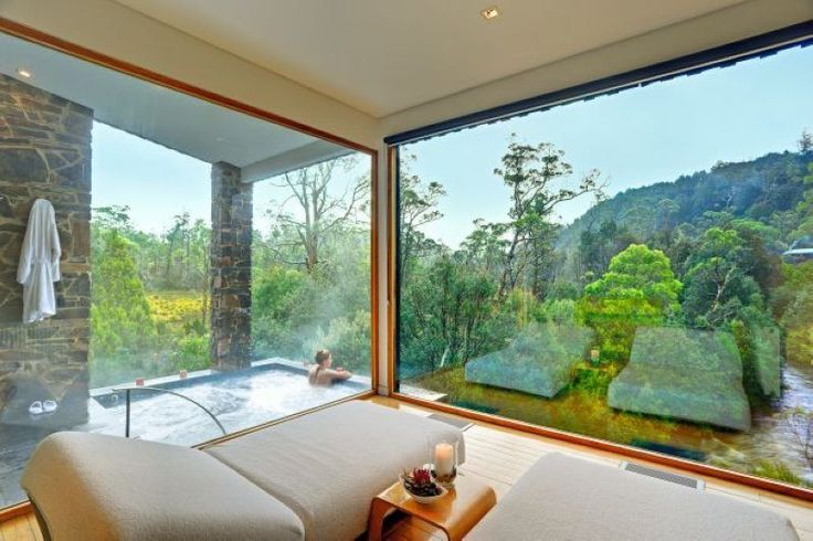 Hotels in Tasmania - Five best rooms with a view in Tasmania, from national park views to cliff-top views and water views.