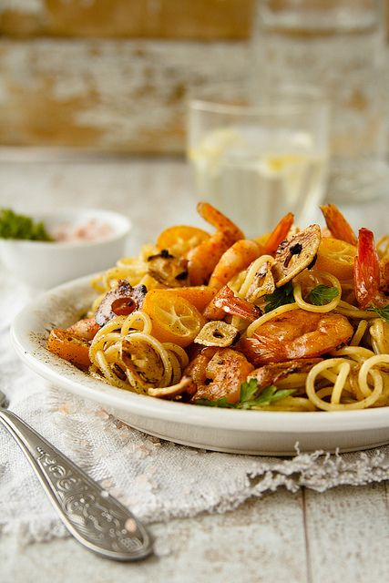 Jumbo shrimp pasta scented with orange