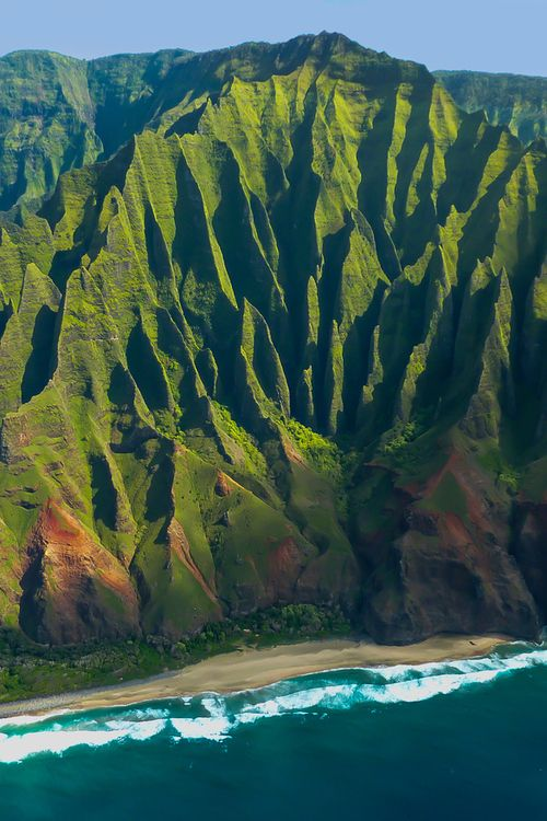 anotic Na Pali Coast — Kauai, Hawaii I can't get enough of this landscape! just majestic!