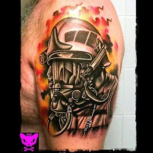 #firefighter #realistic done by @Ucarijr - One Session #tattoo #tattoos #tattooartist #tattooart #tattooartwork #tatuajes #tatuagem #tatuaje #realistictattoo #realism #helmet #fireman #fire #tattooed #inkstagram #inkjunkeyz #ink #inked #cancadaver #boniccadavertattoo #calella #maresme #barcelona