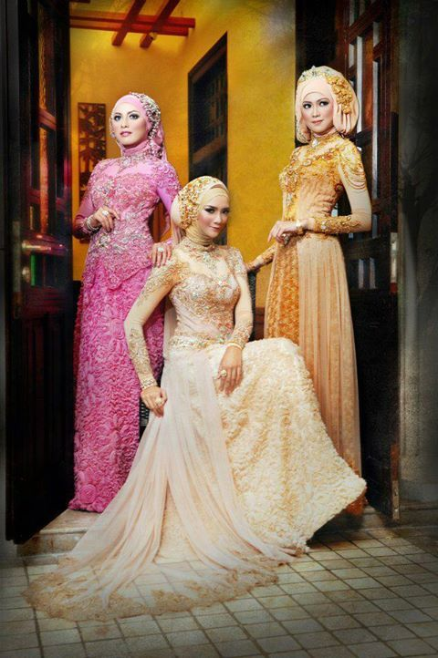 Indonesian traditional wedding dress comes not just in white. but all colours. This particular attire is called kebaya