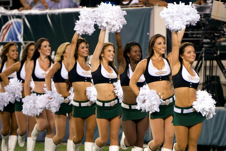 Jets cheerleader latest to sue NFL team over measly pay