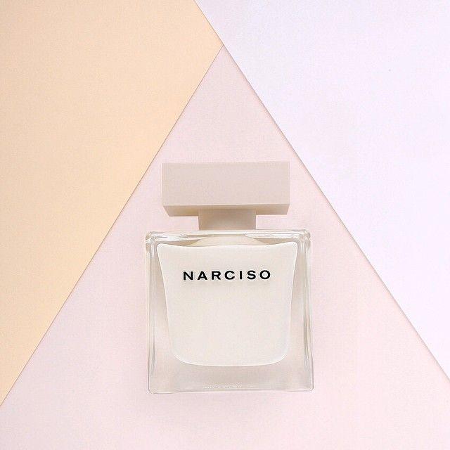Dès samedi, découvrez en avant-première chez Sephora, le nouveau parfum @narciso_rodriguez pour femmes.  NARCISO, la nouvelle eau de parfum du designer new-yorkais, reflète une féminité moderne, à la fois affirmée et insaisissable, et rend hommage au mystère universel de la séduction et de l'attraction.  #instaparfum #exclu #sephorafrance