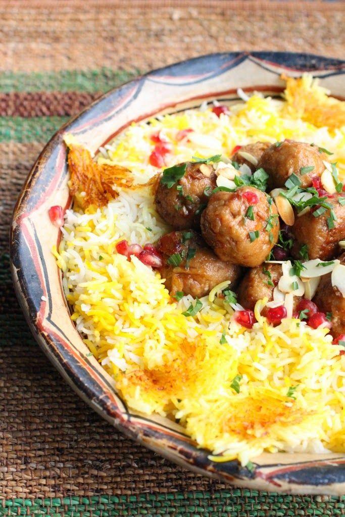 Boulette de poulet aux amandes, riz chelo à l'iranienne. Persian chicken meatballs with almonds, chelor rice