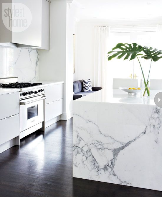 Designer Sloan Mauran brings lasting sophistication to a dated transitional home.