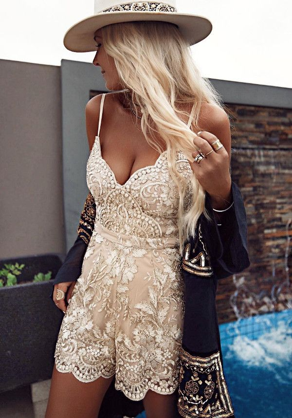 how to look boho chic wearing lace summer romper
