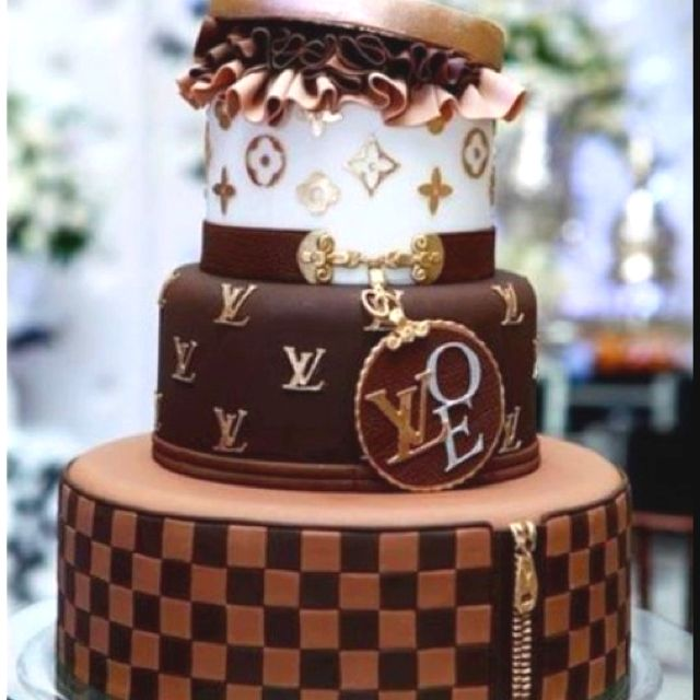 Louis Vuitton cake: Cakes Omg, Cakes Mi Kind, Wedding Showers, Cakes Loov, Cakes Heart, Cakes N Cookies, My Birthday, Cakes Amazing, 30Th Birthday