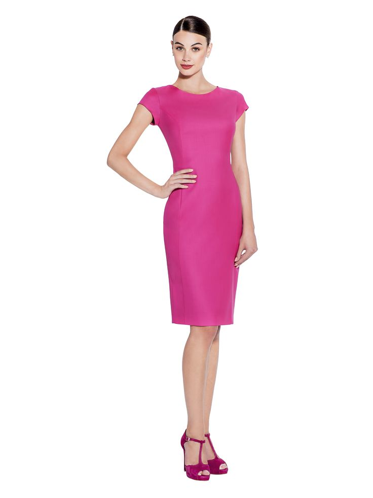 This premium quality 100% Super 130's Wool dress is expertly cut and paneled for an ultra flattering fit. In our signature colour make a statement wherever you go. Fabric imported from United Kingdom: 100% Super 130's Wool Lining imported from Germany: 57% Viscose 40% Polyimide 3% Elastane Washcare: Dry clean MADE IN EUROPE