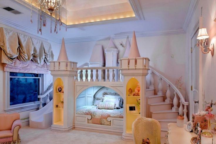 Ideen zur Kinderzimmergestaltung - Märchenhaftes Zimmer mit Schloss
