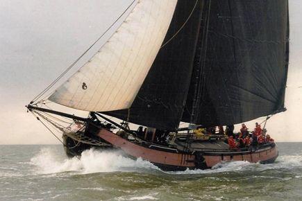 Dutch Tjalk (sailing barge) looks like a pirate ship with ...