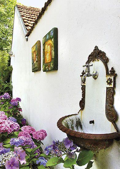 Zahrada s hortenziemi   Chatař & Chalupář