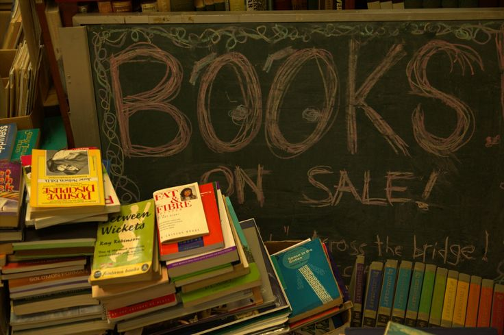 Second-hand books are always on sale!