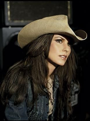 Got show some love to the other women of country music, like Shania Twain.