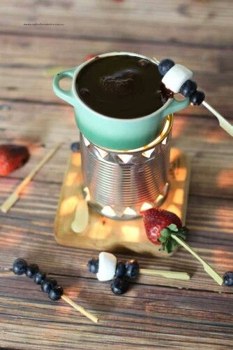 Make your own fondue with this clever DIY pot! Instructions and recipe at www.mykitchenstories.com.au