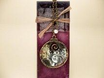 #Handmade #jewelry #bracelet http://www.rmekszer.hu/ Arcok műgyanta préselt virágos nyaklánc