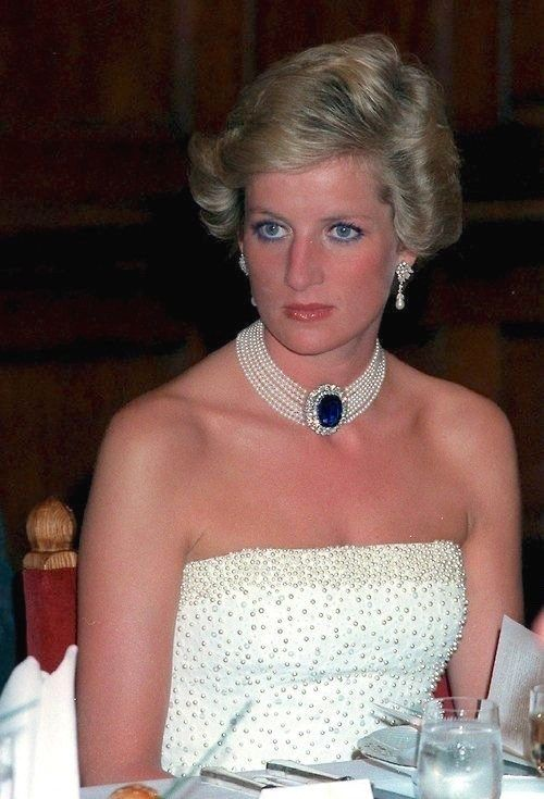 Princess Diana's Sapphire & Pearl Choker Photo (C) GETTY IMAGESFor all the Photos and More : http://www.viral-news.net/for-the-very-first-time-revealing-some-unknown-facts-about-princess-diana/#.V406AOsrLIU