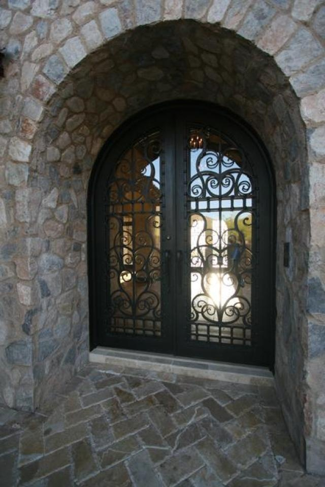 Calvis Wyant custom home AZ- love the door