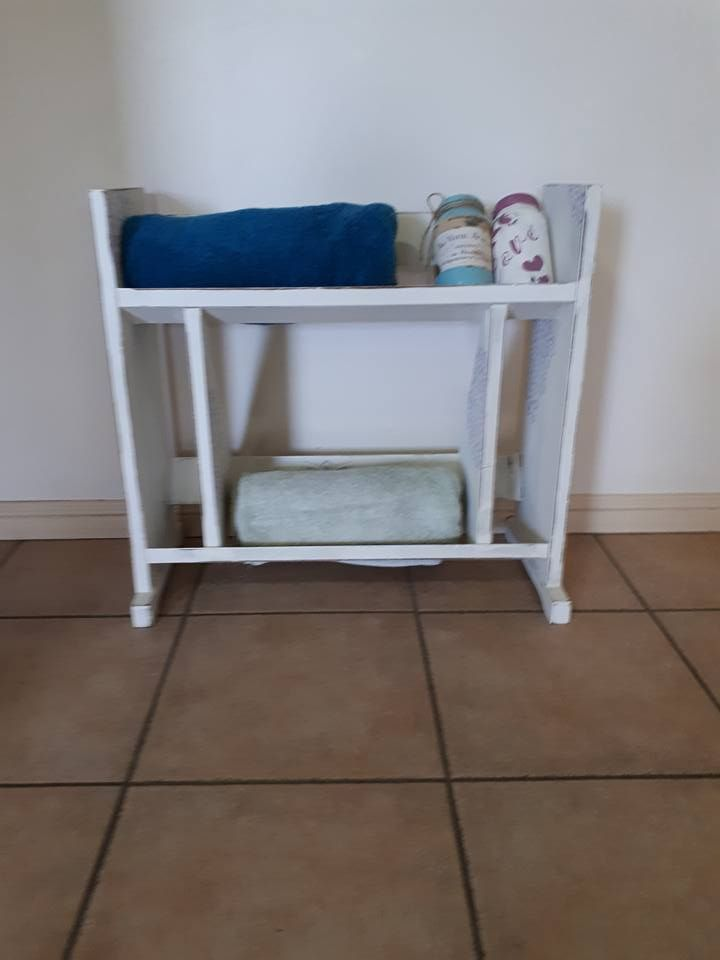 Retro book shelf given a great shabby makeover -SOLD
