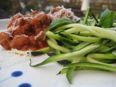 Squash spaghetti med cremet bolognese og en ny yndlings køkken gadget | Ravfood