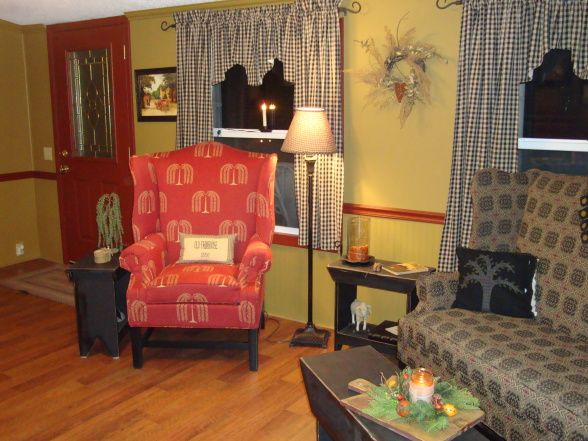 530 Best Images About Primitive Living Rooms On Pinterest Country Sampler