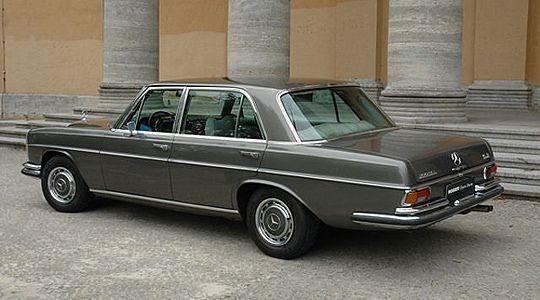 179 best mercedes benz 1965 1972 images on pinterest for Mercedes garage 93