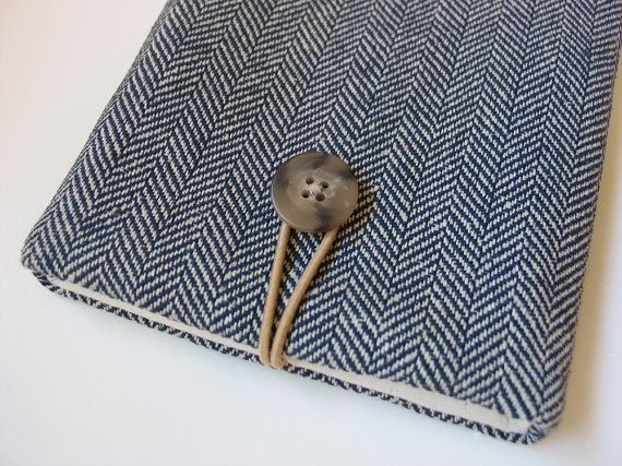$24 Kindle 4 cover / Kindle 79 case / Kobo eReader Touch cover (padded) -----navy-and-cream herringbone pattern