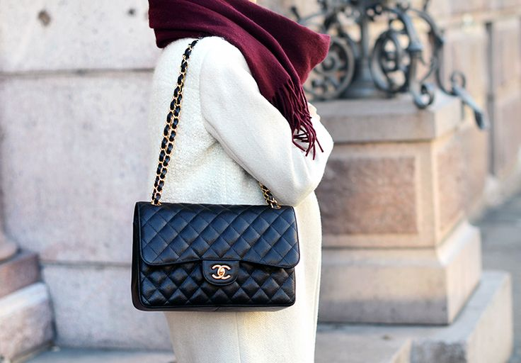 CHANEL Jumbo Flap Bag Caviar Leather