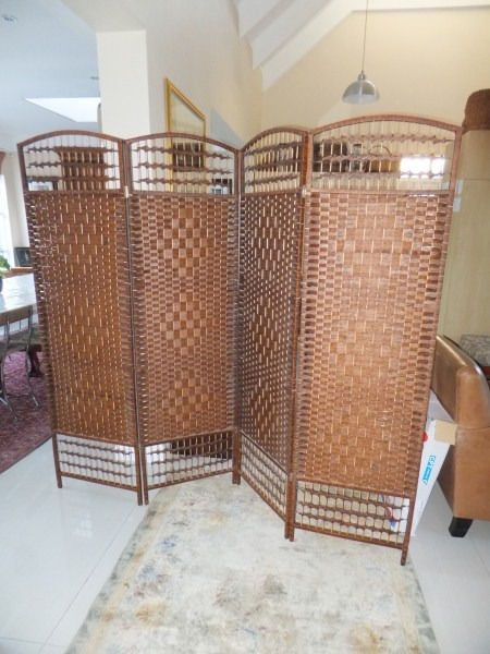 Stunning 4 panel Oriental Bamboo weave ScreenA statement piece. Great in any space.Ideal for creating privacy or partitioning space effectively at home, in a salon or parlour.Can be used anywhere from a doctor's rooms to a clothing store.Or simply find an excuse to use at home just because its so stylish!Why to buy:Sylish and elegantPractical and functional4 Panel large screen coverTotally natural companantsReal wood and bamboo strandsExotic oriental feelDimensions: 200x180cm (wide x…